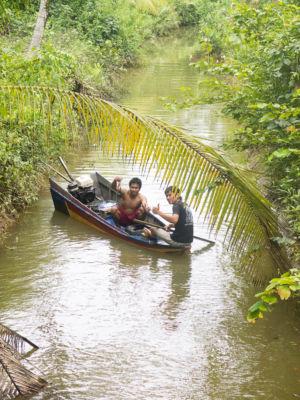 Amphoe Sawi : pêcheurs de camarons