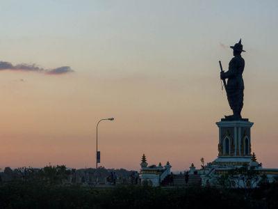 Statut du roi Anouvong à Ventiane