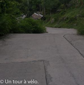 Une route sur l'île de Koh Tao