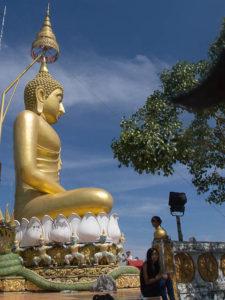 """Bouddha en haut de temple """"tiger cave"""""""