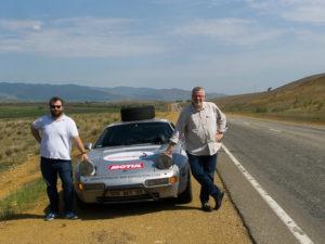 Philippe et Thibault avec leur Porsche