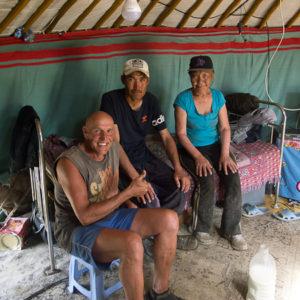 Le fils et la hémé (mamy en mongol) et Frank.