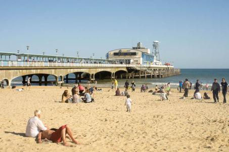 Plage de la ville de Bournemouth, Dorset, Angleterre