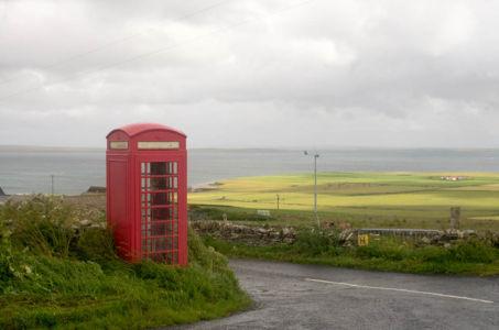 Cabine téléphonique aux Orcades, Mainland, Ecosse